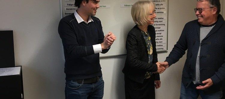 Hollandsk matematiklærer Jurjen Bodar og tidligere skoleleder Eric Bodar sammen med Marte Meo Supervisor Inger Hartelius på Marte Meo Uddannelsen i Roskilde.